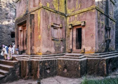iglesias-cortadas-roca-ortodoxa-antigua-famosa-del-lalibela-etiopía