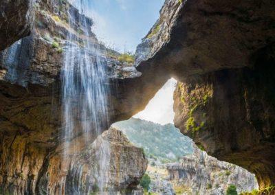 cascada-baatara-libano