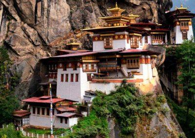 160104140703-bhutan-taktshang2