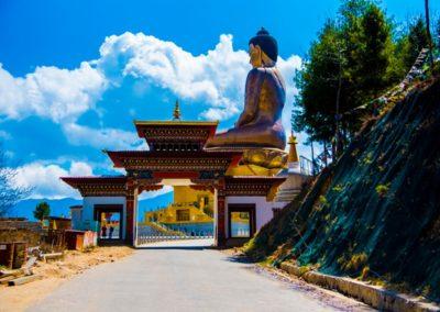 estatua-de-buda-en-thimpu-bhutan_31923-4