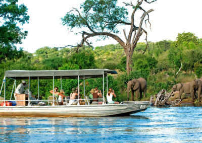 luxury-lodge-botswana-ChobeChilwero-09-1600x900