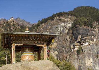 templo-de-la-jerarquía-del-s-de-taktshang-goemba-o-del-tigre-bhután-90988579