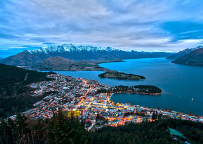 1200px-Queenstown_from_Bob's_Peak