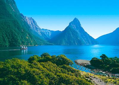 Fiordland-Milford-Sound-Mitre-Peak