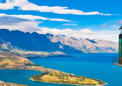 rs-hero-cityscape-of-queenstown-with-lake-wakatipu-from-top-new-zealand-south-island_85992103